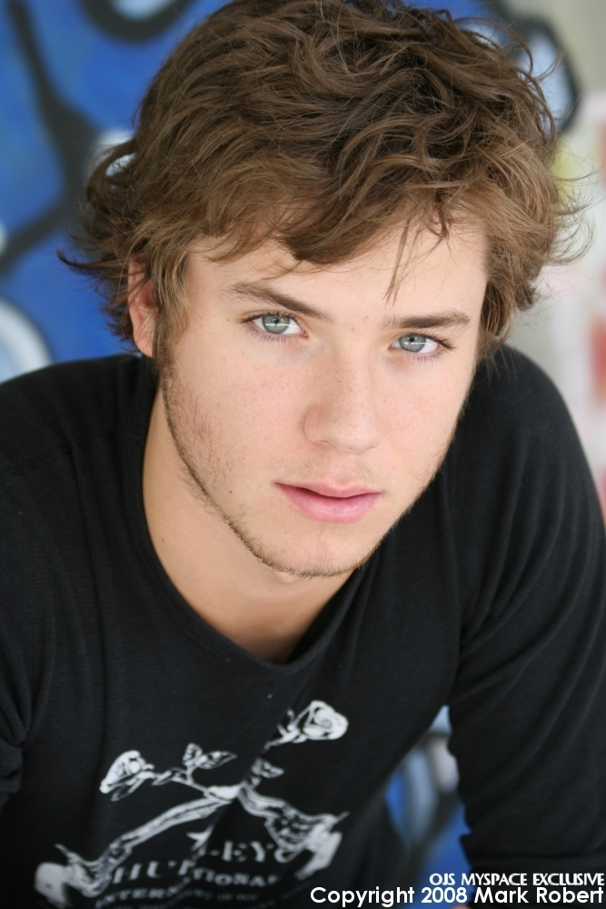 Jeremy Sumpter net worth
