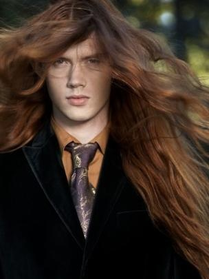 Men with long hair dyed dark red - should i be or brunette