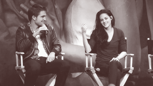 Rob and Kristen at Twilight convention