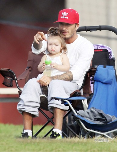 Sept. 22nd - LA - David and Harper watching the boys play 축구