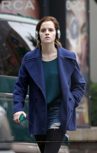 Walking and shopping in New York City (03.10.2012)