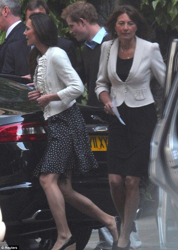kate and her mother carole middleton
