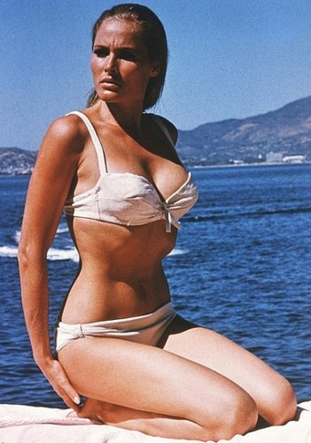 ursula andress