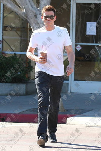 Cory Monteith Exits The Coffee Beans And Tea Leaf Cafe In Los Angeles - November 5, 2012