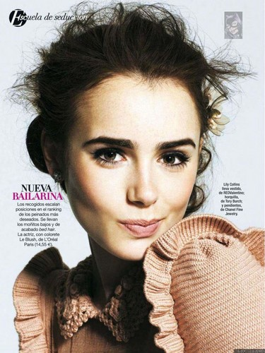 Magazine scans: Glamour Spain (November 2012)