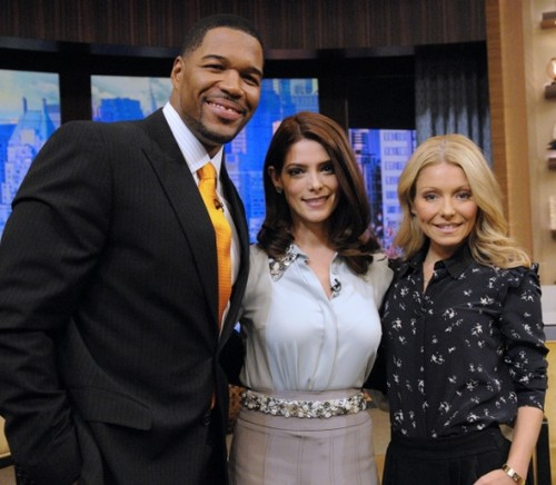 Ashley on 'Live! with Kelly & Michael' in New York {15/11/12}.