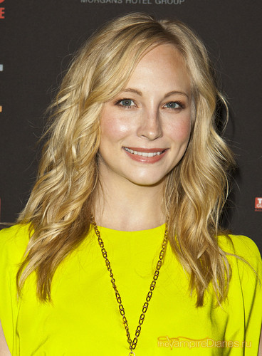 Candice attends TV Guide Magazine's Hot Список Party - Arrivals {12/11/12}.