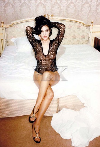 Monica Bellucci sexy shot