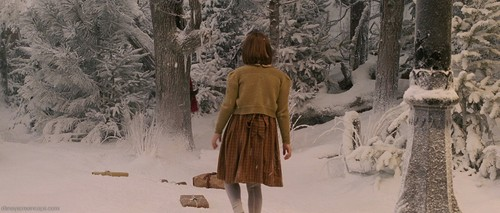 15 Pictures of Lucy Pevensie and Mr. Tumnus