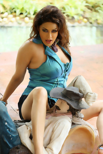 Hot photos of Poonam jhawer
