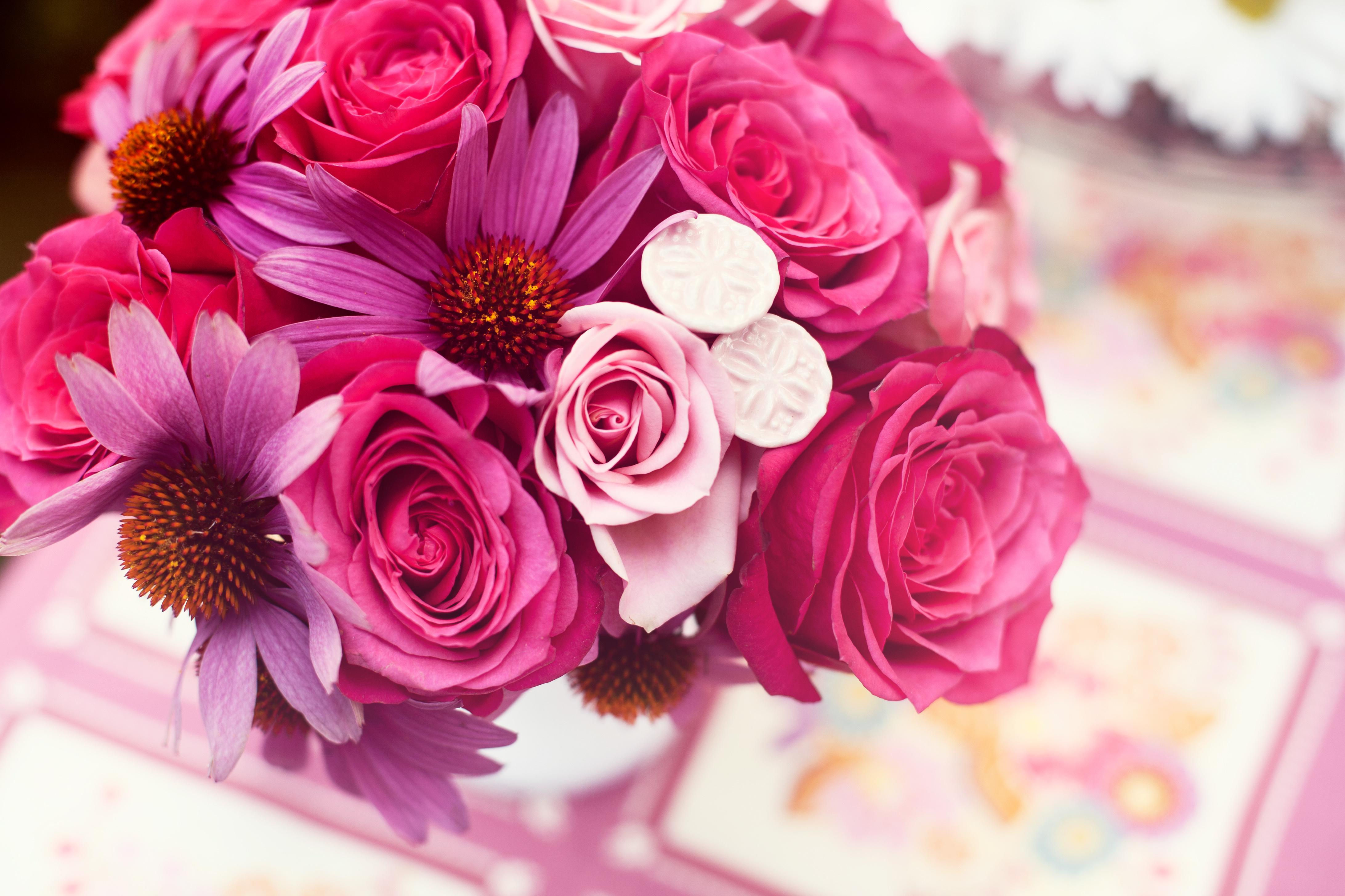 http://images6.fanpop.com/image/photos/33200000/Pink-Flowers-flowers-33223281-4368-2912.jpg