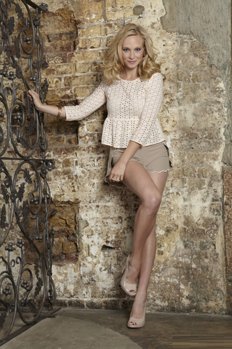 "Candice's ""OK!"" magazine photoshoot now untagged [UK - August 2011]"