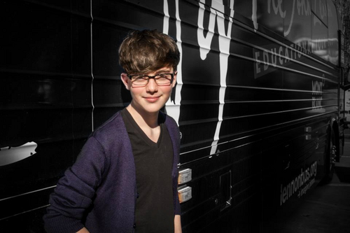 Hot pic Of Greyson wearing his glasses<3