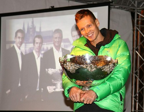 Berdych and DC trophy..