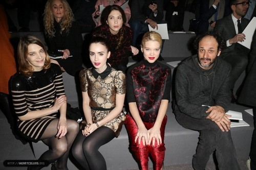 Lily attends the Louis Vuitton Fall/Winter tampil during Paris Fashion Week [06/03/13]