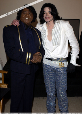 Michael Jackson And James Brown Backstage At The BET Awards Back In 2003