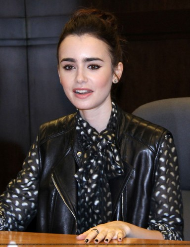 "Lily at the ""Clockwork Princess"" book tour {March 21st 2013}"