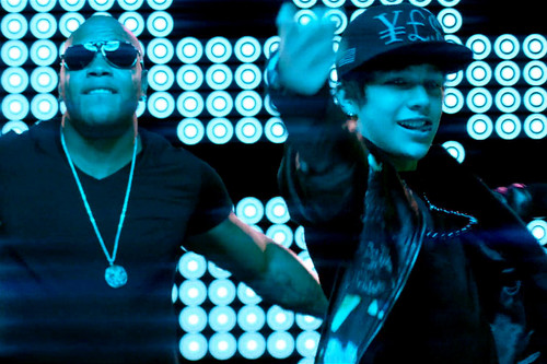 Austin Mahone ft. Flo Rida Say You're Just A Friend video