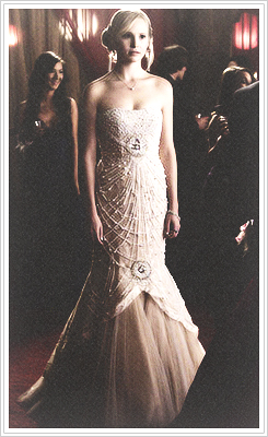 Elena Gilbert & Caroline Forbes Prom Dresses >> (4x19 Pictures of You) <<