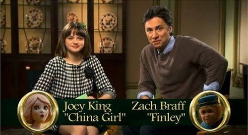 Zach Braff and Joey King