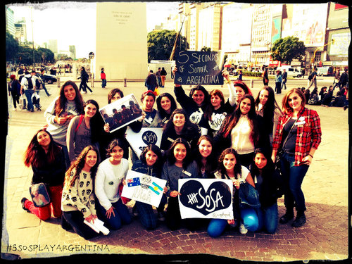 shoutout to the 5sos family in argentina