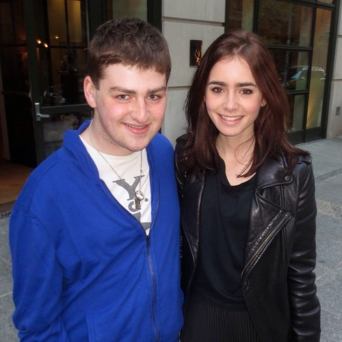 Lily in NYC with a fan