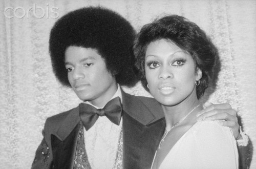 Michael And Lola Falana Backstage At The American 음악 Awards Back In 1977