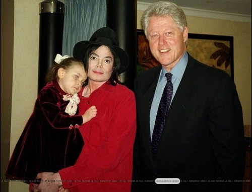 Michael With Paris And Bill Clinton Back In 2002