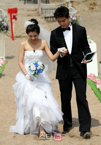 Girlfriend ok taecyeon Taecyeon Height,