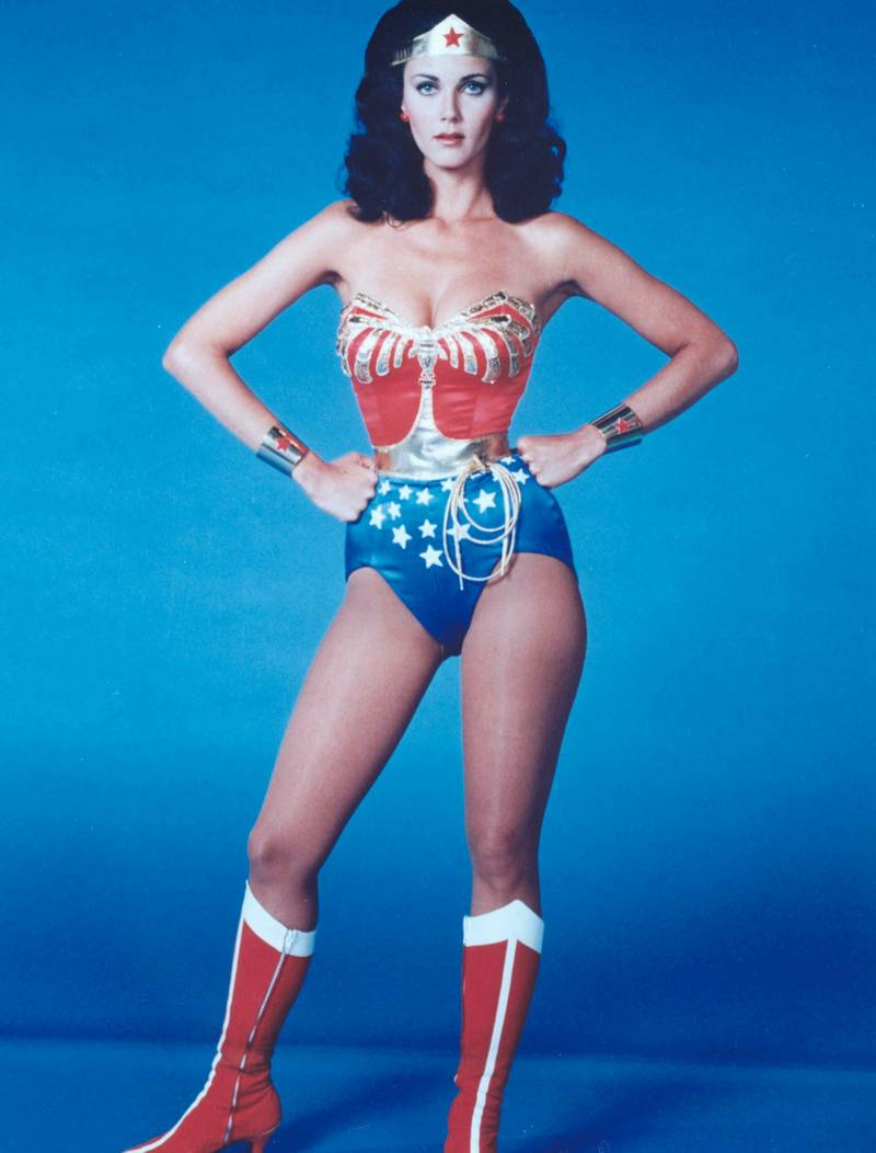 http://images6.fanpop.com/image/photos/34400000/Wonder-Woman-lynda-carter-34432476-800-1052.jpg
