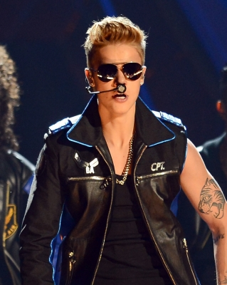 05.19.2013 Billboard musique Awards - Peformance