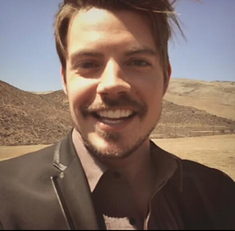 Josh Henderson on Swelter set