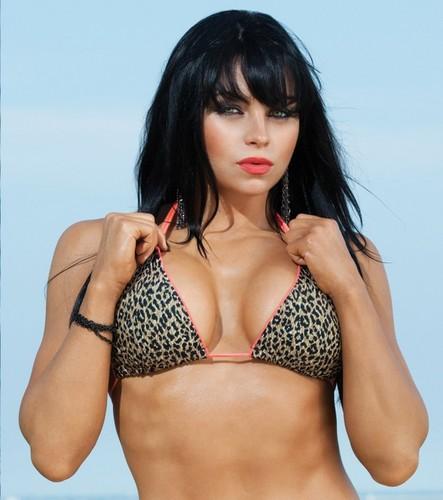 The Divas of Summer: Aksana