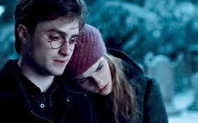 Hermoine in Harry's arms <3