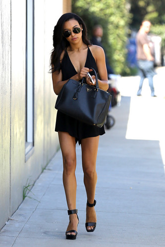 Naya arriving at the glee Photoshoot