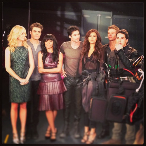 Candice and TVD Cast at the Promotional Photoshoot for Season 5