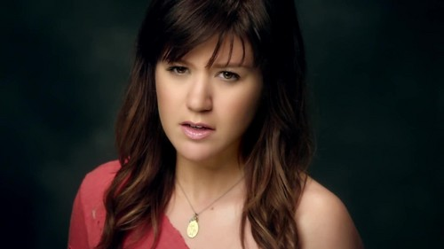 Kelly Clarkson- Dark Side {Music Video}