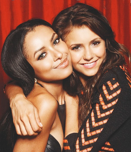 New Portrait of Nina and Kat Graham at Comic Con from TV Guide
