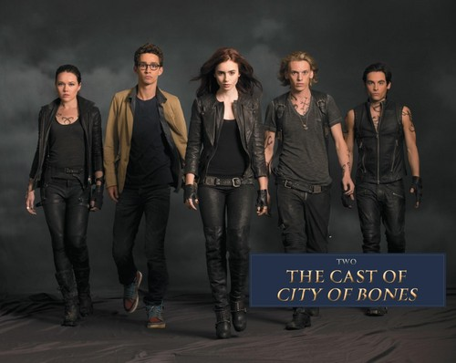 'The Mortal Instruments: City of Bones' official illustrated companion fotografias