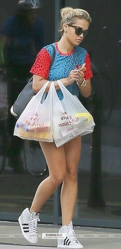 08/08 - Shopping in London