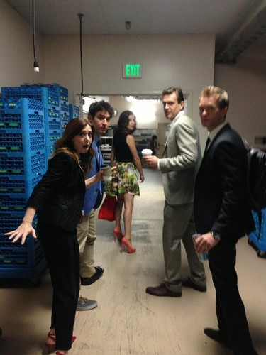 HIMYM Cast hanging at CC 2013