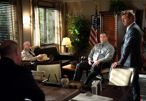 The Mentalist - Episode 6.02 - Black-Winged Redbird - Promotional تصویر