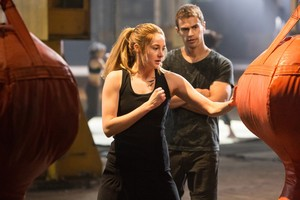 Divergent movie stills