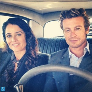 The Mentalist - Episode 6.06 - apoy and Brimstone - BTS mga litrato of Simon Baker and Robin Tunney