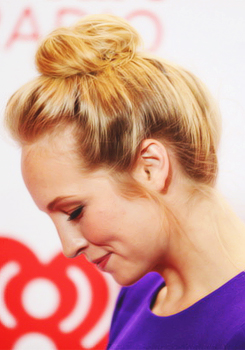 Candice Accola at iHeart Radio muziki Festival