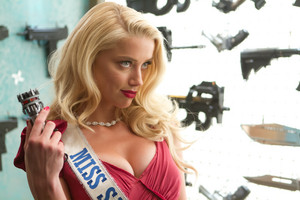 Amber Heard as Miss San Antonio