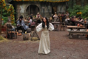 Once Upon a Time - Episode 3.03 - Quite a Common Fairy - BTS mga litrato