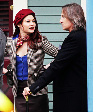 Emilie & Robert on set