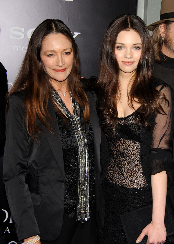 "India Eisley and her mother actress Olivia Hussey at ""Underworld Awakening"" - Los Angeles Premiere"