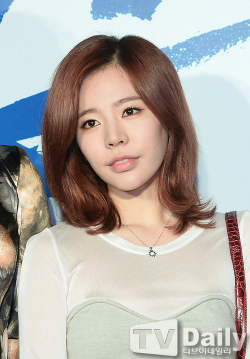 Sunny-No Breathing Premiere